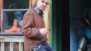 Taidetta ja muisteluksia syntyy yhä 90-vuotiaalta ITE-taitelijalta Veikko Rajalalta.