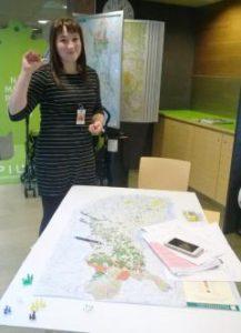 Laura Kuusisto koordinoi ensi vuoden Biorekka-kiertuetta, joka aloittaa Suomi turneensa Ivalon ja Kittilän kautta ja tavoittaa ensi vuoden aikana 13-19-vuotiaita eri paikkakunnilla. Kuva: Metsähallitus