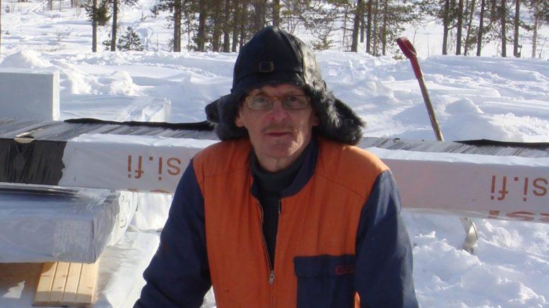 Heikki Nivala sanoo olevansa ihan tavallinen maalaismies, jolla on luja usko tekemiseen Itä-Lapissa. Kuva: Heikki Nivalan kotialbumi